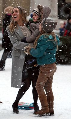 """I Don't Know How She Does It"" in the snow  (Sarah Jessica Parker)"