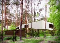 """坂井直樹の""""デザインの深読み"""": 森の中に浮かぶ建築は、まるで重力から解放されたかのように見える不思議!"""