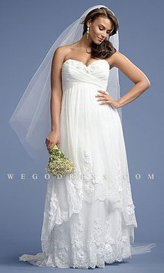 plus size wedding dress looks so comfy and so me!!