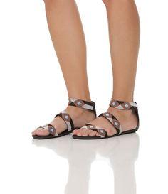 Sandália feminina     Rasteira    Com bordado    Marca: Satinato    Material: couro         COLEÇÃO INVERNO 2015         Veja outras opções de    sandálias femininas.            Sobre a marca Satinato     A Satinato possui uma coleção de sapatos, bolsas e acessórios cheios de tendências de moda. 90% dos seus produtos são em couro. A principal característica dos Sapatos Santinato são o conforto, moda e qualidade! Com diferentes opções e estilos de sapatos, bolsas e acessórios. A Satinato…