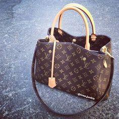 2019 New LV Collection For Louis Vuitton Handbags women Fashion Must have it New Louis Vuitton Handbags, Vuitton Bag, Fashion Handbags, Louis Vuitton Speedy Bag, Purses And Handbags, Fashion Bags, Louis Vuitton Monogram, Cheap Handbags, Cheap Purses