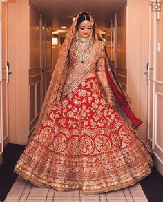 indian bride in traditional red lehenga | wedding dress inspiration
