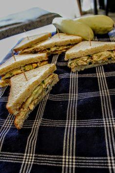 Sandwich with Tuna, Eggs & Zucchini Tuna And Egg, Zucchini, Sandwiches, Eggs, Egg, Paninis, Egg As Food