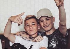 General picture of Bars and Melody - Photo 551 of 1776 Bars And Melody, Actor Picture, Actor Photo, Let You Go, Leo Howard, Instagram 2017, Love Twins, Carson Lueders, Celebrity Singers