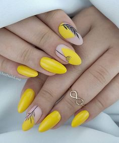 48 Hot Short Acrylic Almond Nails Design You Must Try Nageldesign Short Almond Nails, Almond Shape Nails, Short Nails, Nails Shape, Short Almond Shaped Nails, Yellow Nails Design, Yellow Nail Art, Almond Acrylic Nails, Summer Acrylic Nails