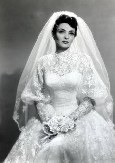 32 Glamorous Photos of the Best Wedding Dresses Worn By Famous Beauties in the ~ vintage everyday Best Wedding Dresses, Wedding Attire, Wedding Styles, Wedding Gowns, Wedding Ceremony, Antique Wedding Dresses, 50s Wedding, Wedding Shot, Modest Wedding