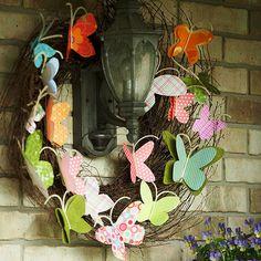 Great DIY tutorial for this super sweet paper butterfly wreath. DIY wreath. Door decor. Spring wreath. DIY crafts.