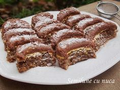 diana's cakes love: Semilune cu nuca Sweets Recipes, No Bake Desserts, Baking Recipes, Cookie Recipes, Delicious Desserts, Yummy Food, Frozen Chocolate, Chocolate Desserts, Peach Yogurt Cake