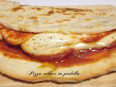 Pizza veloce cotta in padella La pizza veloce cotta in padella è un altro tormentone che da un qualche tempo impazza sul web, si tratta di una pizza