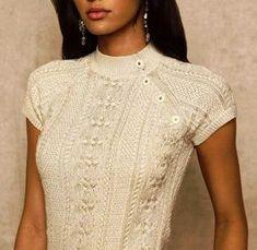 Блузка с оригинальной застежкой
