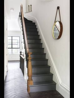 Indoor/Outdoor Living, Brooklyn-Style Sabino – love this! Dark grey stairs against the wooden floors and bannister and white walls Basement Stairs, House Stairs, Cottage Staircase, Front Stairs, Basement Ideas, Black Stairs, Black Painted Stairs, Black Wooden Floor, Brooklyn Style