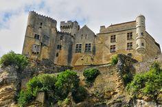 Situé en Dordogne, le village de Beynac est un véritable trésor français