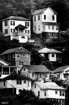 House stacked on hillside in West Virginia - Jack Corn Photography Virginia Mountains, Appalachian Mountains, Jack Johns, America America, West Virginia, Vintage Images, Family History, Nashville, Roots