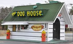 Look at the hot dog stand!! It looks like a dog house.