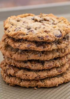 Cowboy Cookies are chewy oatmeal brown sugar cookies with chocolate chips, coconut and pecans that are done in less than 30 minutes! We love Chocolate Chip Cookie recipes including my favorite one,… Brown Sugar Cookies, Caramel Chocolate Chip Cookies, Chocolate Chips, Cowboy Cookie Recipe, Oat Cookie Recipe, Easy Cooking, Cooking Time, Apple Recipes, Baking Recipes