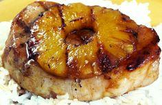 Nodini di maiale con ananas grigliato