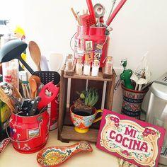 Um presente Baden Baden @brasilkirin transformado num projeto simples- organizador de temperos- para deixar as paredes da cozinha livres de furos. Preciso dizer que amei @sandraparolin  @glauciagomes12 ?