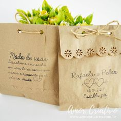 Escalda pés - Amor Criativo. Lembrancinhas de casamento. Lembrancinhas de casamento rustico. Lembrancinhas criativas. Saquinhos de papel Diy Gift Box, Diy Box, Vegan Gifts, Bath Salts, Gift Bags, Paper Shopping Bag, Diy And Crafts, Wraps, Packing