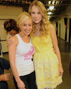 Taylor Swift & Kellie Pickler
