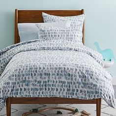 Shop west elm for modern kids bedding, duvet covers and sheets. Choose colors and designs to match urban décor or mid-century modern furnishings. Ruffle Bedding, White Bedding, Floral Bedding, Modern Kids Beds, West Elm Bedding, Bedding Master Bedroom, Queen Bedding, Dream Bedroom, Interiors