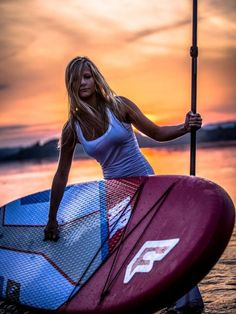 Top rated Inflatable paddle board that can be used as a surfboard too! This inflatable sup is very solid and easy to pump up. Our inflatable stand up paddle board comes with FREE paddle + fin + b… Inflatable Paddle Board, Inflatable Sup, Yoga Gloves, Sup Girl, Stand Up Paddle Board, Sup Accessories, Clothing Accessories, Snorkel, Sup Boards