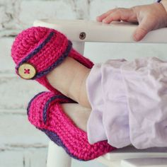 From toddler to big girl, these slippers are sure to keep those little piggies stylish and warm!