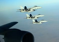 US Navy F/A 18 Super Hornets flying over northern Iraq, 23 September 2014 (Photo Staff Sgt. Shawn Nickel / afp.com)