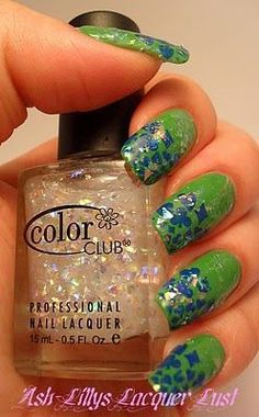 Nail Art that will be so sparkaly on you and me