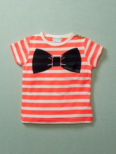 This would be so cute to do for a boy with a tie instead of the bow. Love this :)
