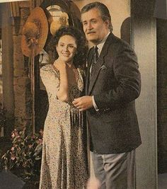 Isabella and Victor - Days of Our Lives Days Of Our Lives, Day Of My Life, Soap Shows, Drake Hogestyn, John Aniston, Life Cast, Casting Pics, Soap Opera Stars, Vintage Television