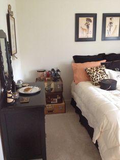 Bedroom Design Idea Leopard Orange Decorating