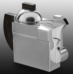 24 cm, 950 g Silver teapot in Art Deco style Manufacturer: produced by Rossi & Arcandi for Cleto Munari, Venice 1989 After an original design by Kazimir Malevich The teapot is 24 cm wide, 18 cm high and weighs 950 g Excellent condition Kazimir Malevich, Silver Teapot, Art Deco Fashion, Venice, Tea Pots, Shapes, The Originals, Design, Style