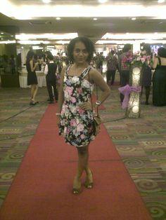 cute flowers peplum mini dress, black skin, curly hair. <3 it! (Maria Rosalin)
