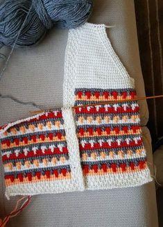 This – crochet pattern Crochet Flower Tutorial, Crochet Flowers, Tunisian Crochet, Crochet Top, Baby Knitting Patterns, Crochet Patterns, Sweater Design, Baby Sweaters, Harry Styles