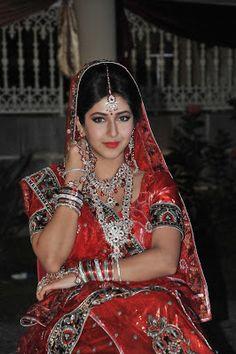 TOTAL CHENNAI NEWS: Sonarika Bhadoria goes beyond bikini
