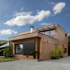 Container House - Maisons Durables : une maison bois de constructeur, mais personnalisable - France - Who Else Wants Simple Step-By-Step Plans To Design And Build A Container Home From Scratch? Modern Wooden House, Different House Styles, Casas Containers, Building A Container Home, Home Remodeling Diy, House Siding, House Extensions, Prefab Homes, House In The Woods