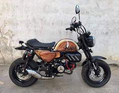 Monkey, Motorcycle, Vehicles, Monkeys, Biking, Motorcycles, Motorbikes, Engine, Vehicle