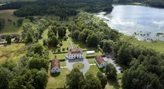 Noors Slott Knivsta Located in Knivsta, 45 km from Stockholm, Noors Slott features a restaurant and free WiFi throughout the property. The hotel has a hot tub and sauna, and guests can enjoy a drink at the bar. Free private parking is available on site.