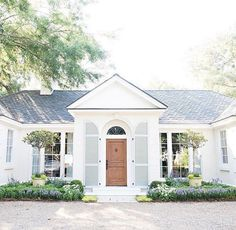 small house sophistication small houses are my favorite ones to max out the potential on the exterior! these are prime examples of small house sophistication! Patio Interior, Interior And Exterior, Interior Doors, Style At Home, Future House, My House, House Goals, Home Fashion, Curb Appeal