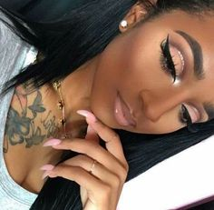 to eye makeup makeup accessories makeup glam makeup looks for blue eyes eye makeup makeup with blue dress makeup green dress makeup 2020 Glam Makeup, Makeup On Fleek, Flawless Makeup, Cute Makeup, Gorgeous Makeup, Pretty Makeup, Skin Makeup, Beauty Makeup, 80s Makeup