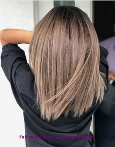 50 Hair Color Ideas For Short Hair - Color Inspirations for 2019 Check out some of the best balayage brown hair looks, including the soft and natural to the bold and striking. The perfect way to update your brunette locks. Brown Hair Balayage, Brown Hair With Highlights, Brown Blonde Hair, Ombre Highlights, Ombre Hair, Brunette Hair, Neutral Blonde, Blonde Honey, Ashy Blonde