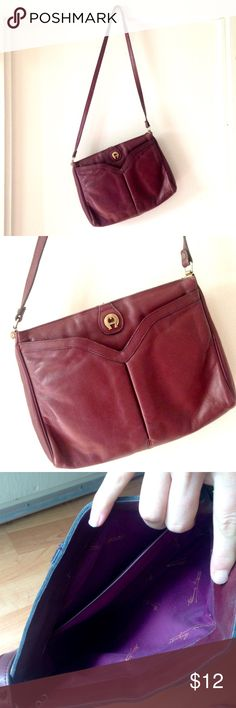 vintage purse medium sized vintage purse; beautiful maroon leather with gold metal details; in good condition Vintage Bags
