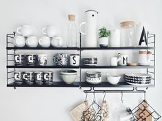 Refferal: 1406731775 Scandinavian Shelves, Scandinavian Kitchen, Black Kitchens, Home Kitchens, Kitchen Furniture, Kitchen Decor, String Regal, String Shelf, Furniture Stores Nyc