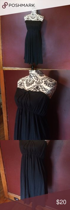 Black Tube Dress Super soft, black tube dress. Dress it up or down, the options with this versatile staple are endless. Worn 1 or 2 times, Old Navy, EUC. Old Navy Dresses Strapless