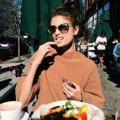 Fan page for model Taylor Hill ♥ Taylor Marie Hill, Fashion Mode, Look Fashion, Fashion Tips, Fashion 2015, Women's Fashion, Indie Fashion, Fashion Outfits, Ray Ban Sunglasses Sale