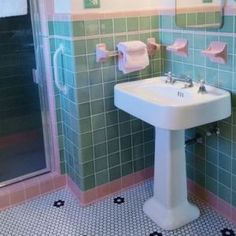 36 1950s Green Bathroom Tile Ideas And Pictures | Green Bath Ideas |  Pinterest | Green Bathroom Tiles, Tile Ideas And Bathroom Tiling