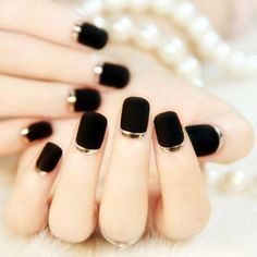 French unghie finte bride short fake full cover press on false nails decorated 24 pcs/set unhas faux ongles acrylic tips (Mainland)) Black Nail Designs, Beautiful Nail Designs, Beautiful Nail Art, Gorgeous Nails, Pretty Nails, Nail Art Designs, Nails Design, Black Gold Nails, Gold Nail Art