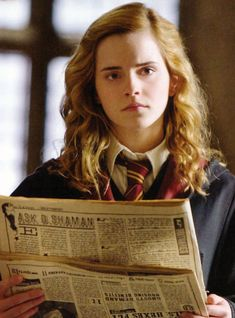 Emma Watson in Harry Potter and the Half-Blood Prince Hermione Granger, Harry Potter Hermione, Harry James Potter, Harry Potter Characters, Harry Potter World, Ron Weasley, Draco, Hogwarts, Dylan O Brian