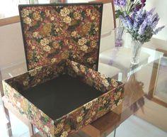 Caixa em MDF forrada com tecido 100% algodão (motivo Natal) R$ 190,00
