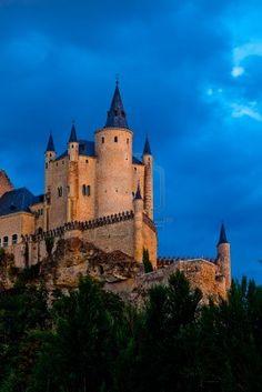 Fantástico castillo y residencia de los reyes de la época medieval  Alcazar de Segovia  Spain